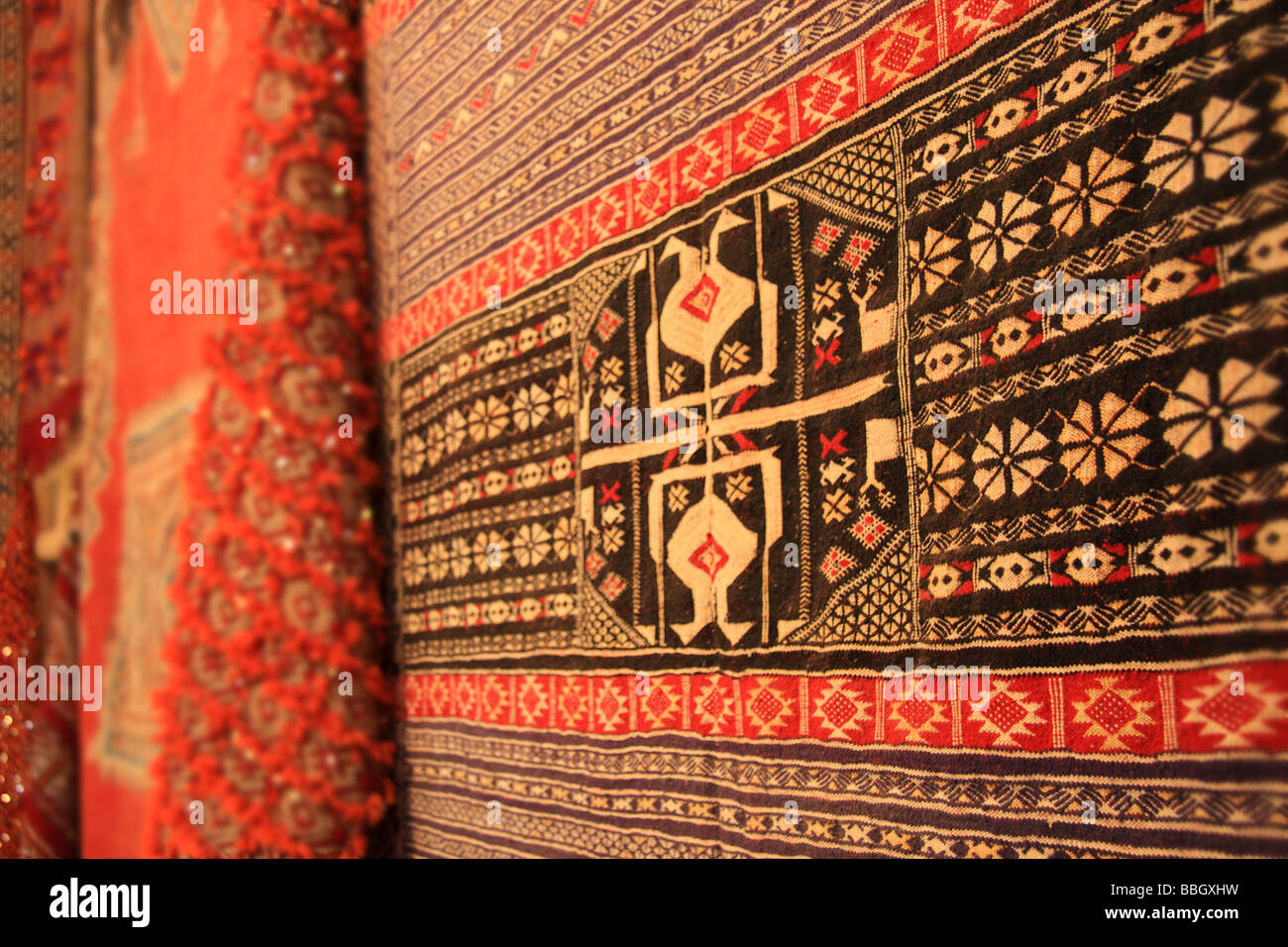 traditional berber carpet morocco stockfotos traditional berber carpet morocco bilder alamy. Black Bedroom Furniture Sets. Home Design Ideas