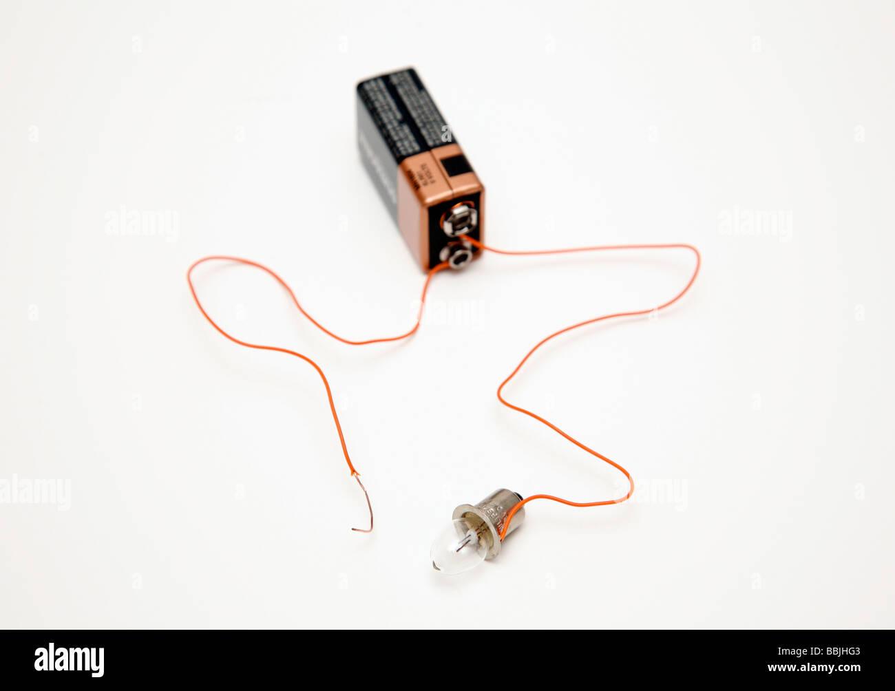 Batterie und Glühbirne Schaltung mit einem Draht nicht angefügt ...