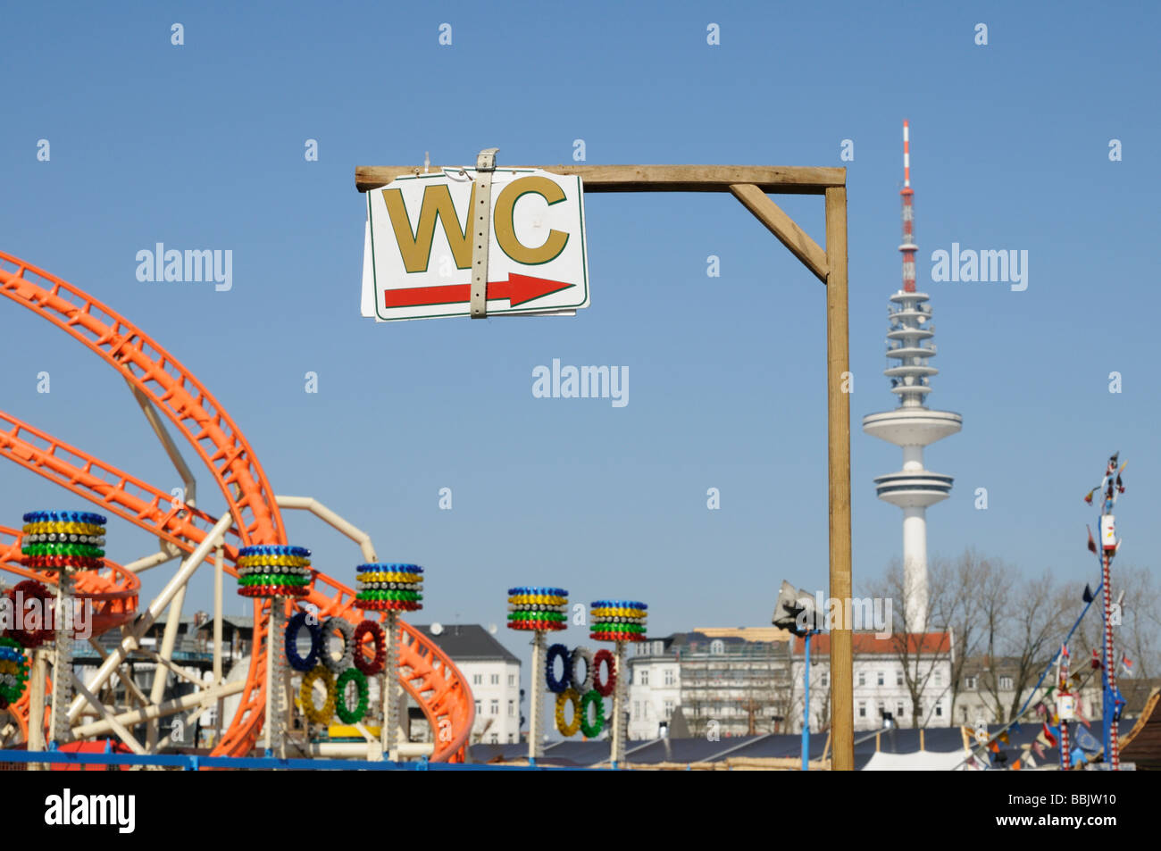 lustiges wc schild hamburger dom deutschland lustige wc schild hamburg dom deutschland stockfoto. Black Bedroom Furniture Sets. Home Design Ideas