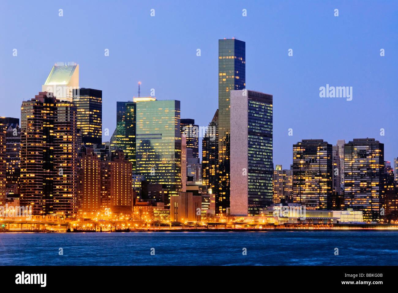 new york skyline east side manhattan stockfoto bild 24401227 alamy. Black Bedroom Furniture Sets. Home Design Ideas