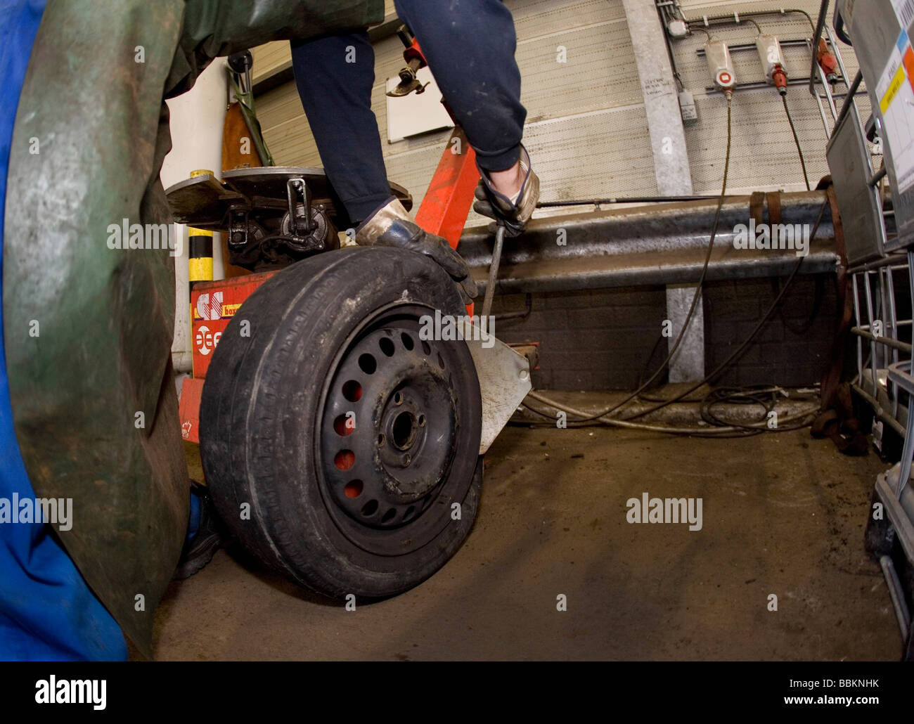 Recycling von Reifen die besten sind gespeichert und versendet in Ländern der dritten Welt die schlechten Reifen Stockbild