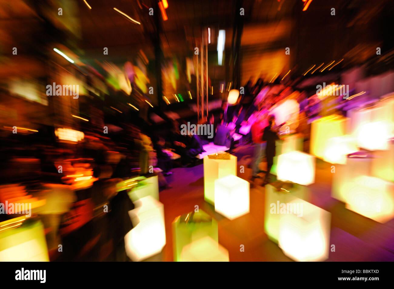 Abendveranstaltung, Menschen, Zoom-Effekt Stockbild