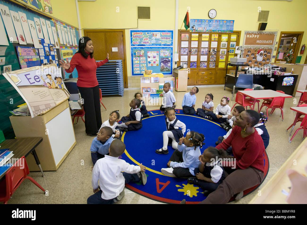 Vorkindergarten Klassenzimmer in Detroit Public Schools Stockbild