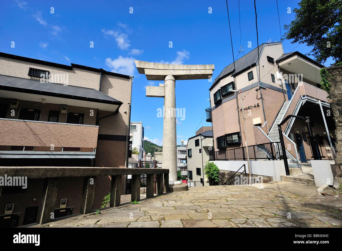 Ein vierbeiniger Steintor, Sanno Jinja, Nagasaki, Kyushu, Japan Stockbild