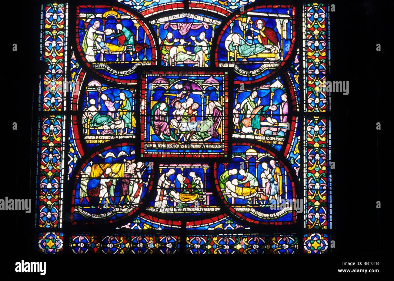https://c8.alamy.com/compde/bbt0tb/canterbury-kathedrale-mittelalterlichen-glasmalerei-fenster-kent-england-uk-englische-kunst-interieur-bbt0tb.jpg