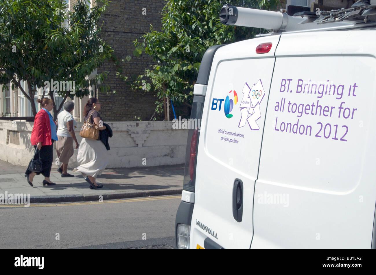 VEREINIGTES KÖNIGREICH. Ein British Telecom-van. BT ist offizieller Sponsor der Olympischen Spiele 2012. London, Stockbild