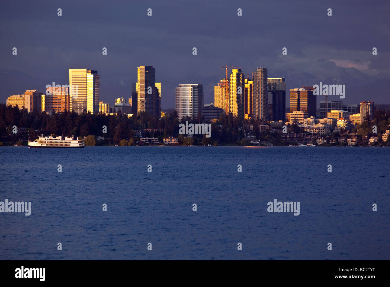 Bellevue Seattle Lake Washington Stockfotos & Bellevue Seattle Lake ...