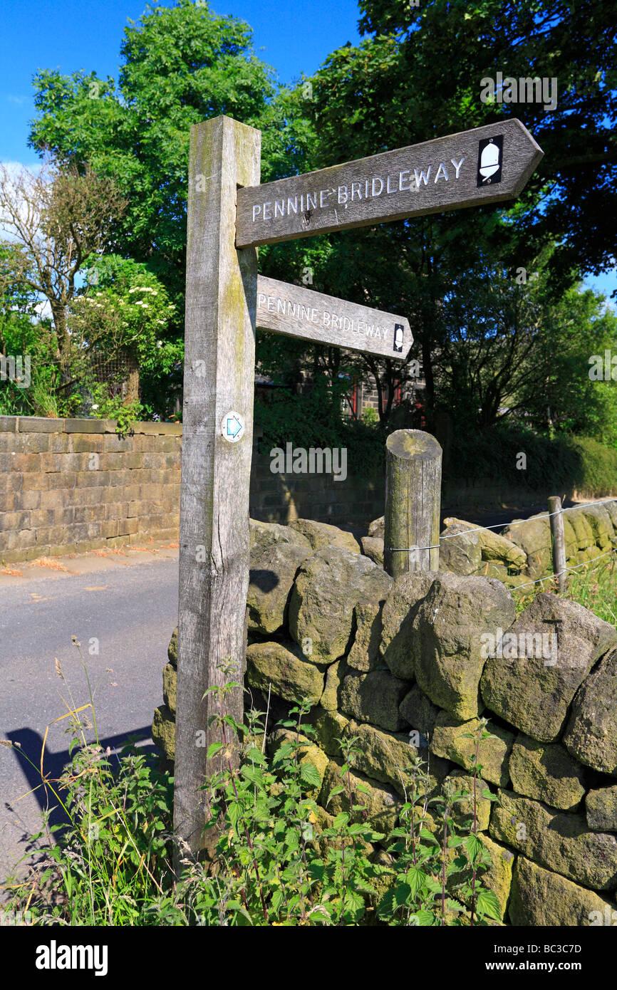 Finger-Holzpfosten Pennine Bridleway bei Mankinholes in der Nähe von Todmorden West Yorkshire England UK Stockbild