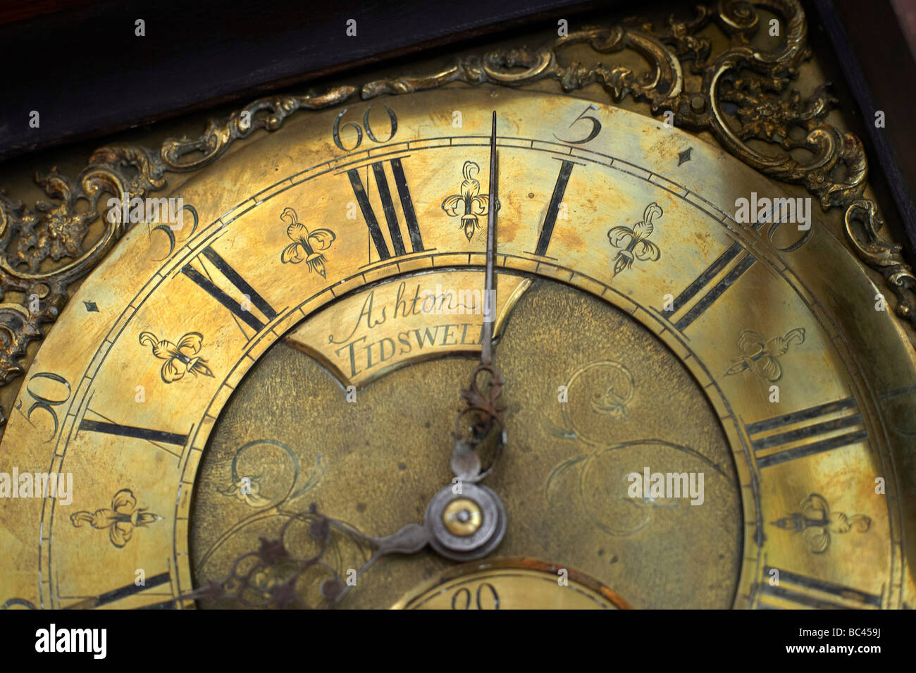 Antique Grandfather Clock Stockfotos & Antique Grandfather Clock ...