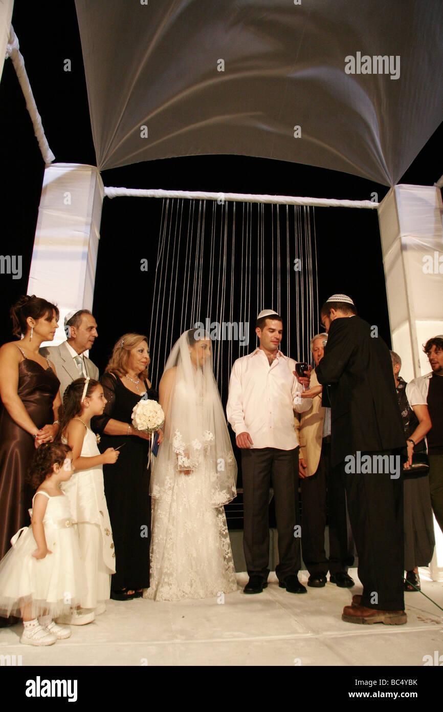 Israel Tel Aviv Yafo Eine Judische Hochzeit Braut Und Brautigam