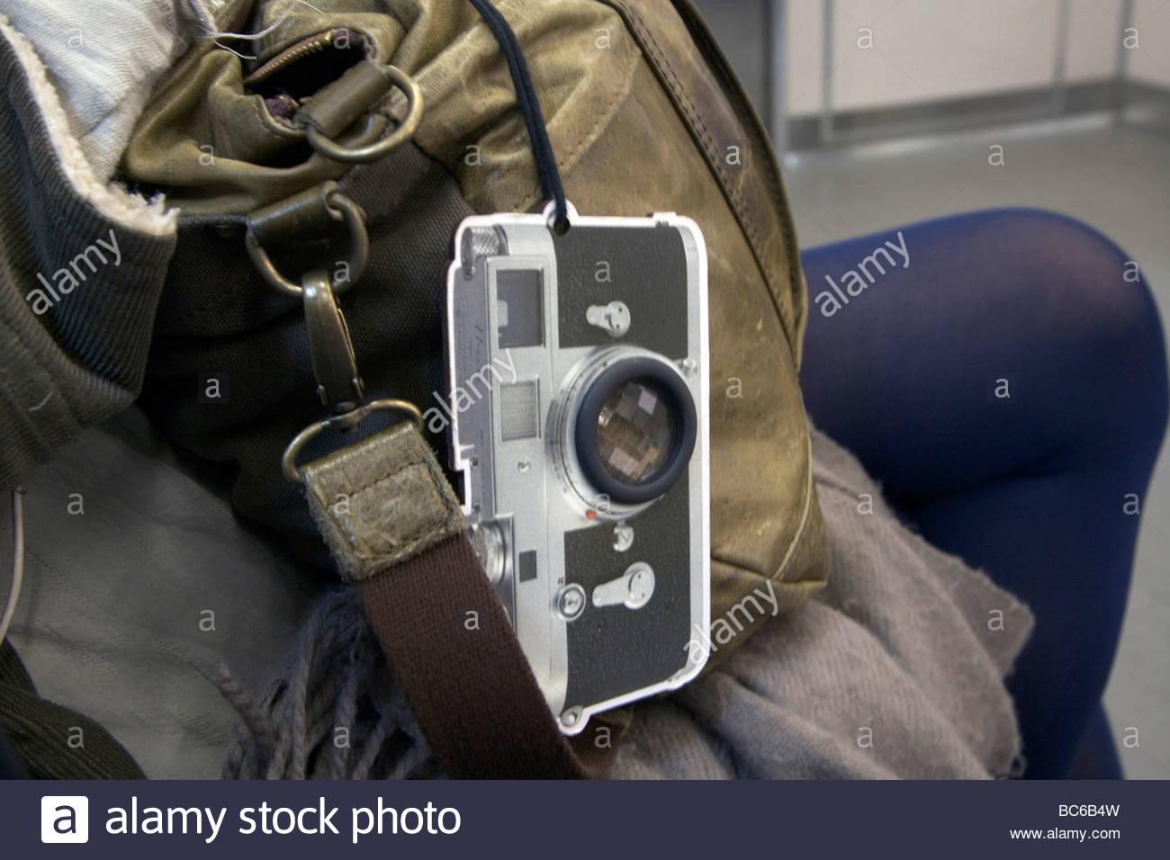 Traditionelle leica entfernungsmesser kamera kleiderbügel an einem