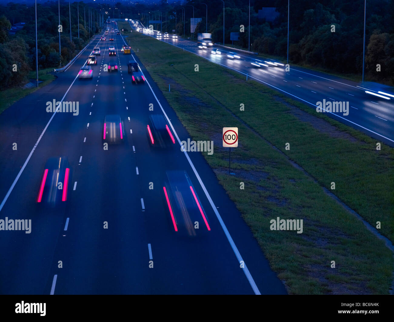 Nacht Verkehr M1 Autobahn Brisbane Australien Stockbild