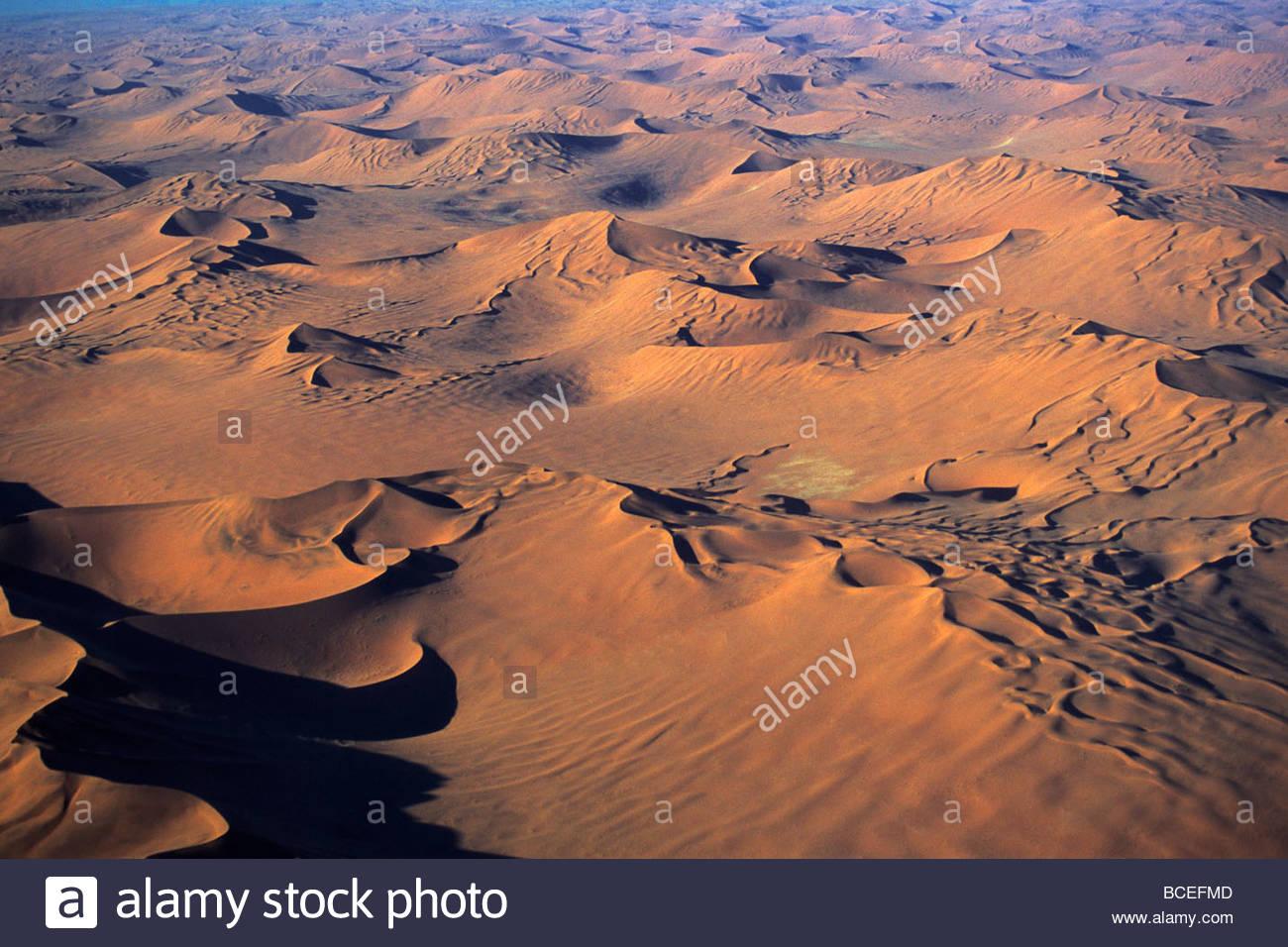 Eine Luftaufnahme der namibischen Wüste. Stockfoto