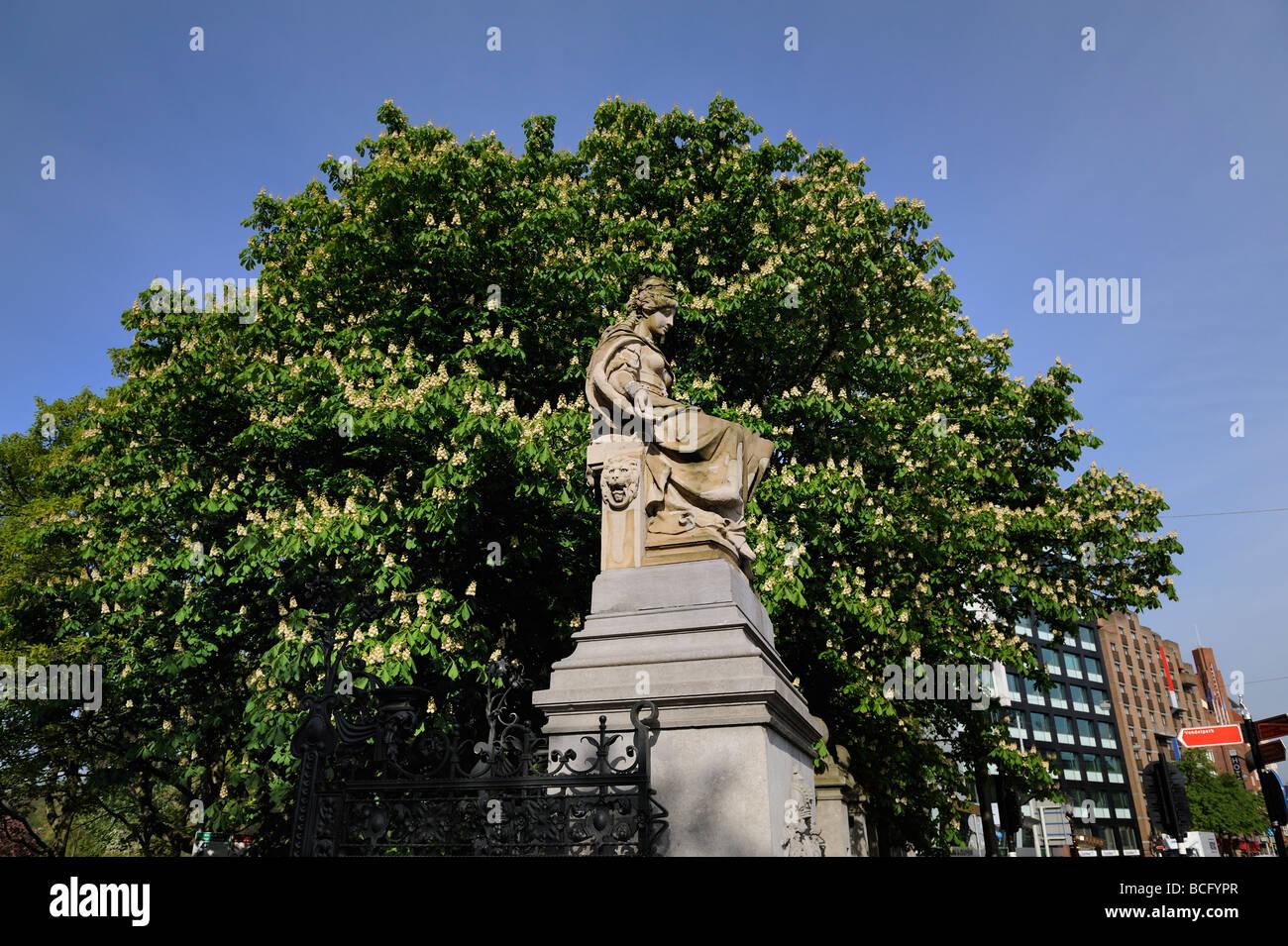 Vondelpark statue stockfotos vondelpark statue bilder for Wildparks in der nahe