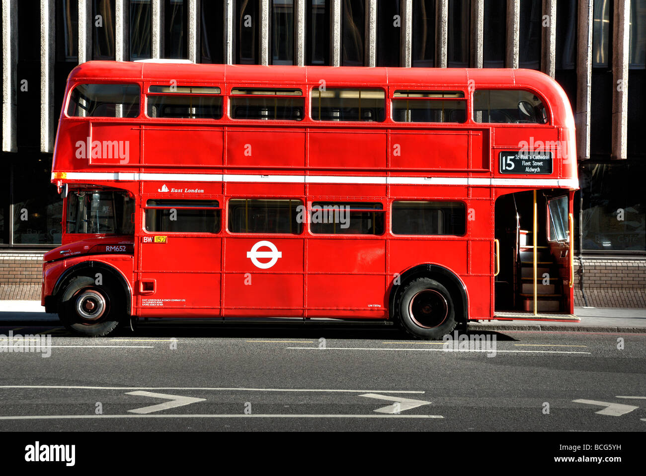 nr 15 london bus mit keine werbung seitenansicht stockfoto bild 24942165 alamy. Black Bedroom Furniture Sets. Home Design Ideas