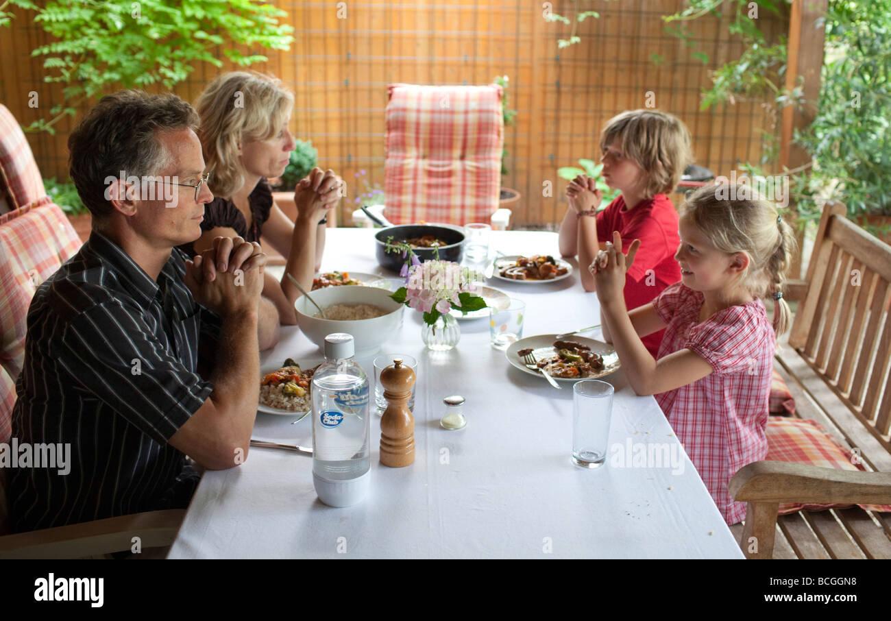 Familie sagen Gnade Stockbild