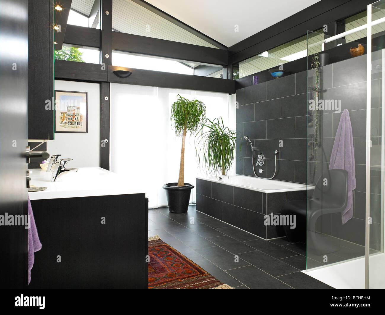 badezimmer bauen, selbst bauen huf haus badezimmer interieur stockfoto, bild: 24970896, Badezimmer