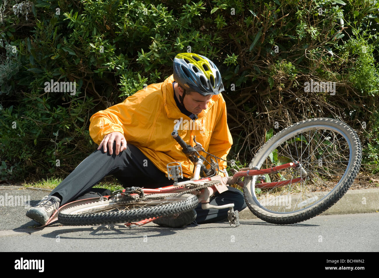cyclist accident stockfotos cyclist accident bilder alamy. Black Bedroom Furniture Sets. Home Design Ideas