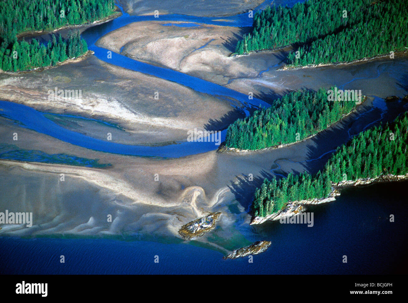 aerial view river delta stockfotos aerial view river delta bilder alamy. Black Bedroom Furniture Sets. Home Design Ideas