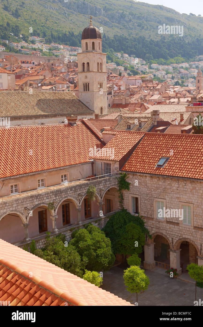 Dächer und Kreuzgang von Dubrovnik - Kroatien Stockbild