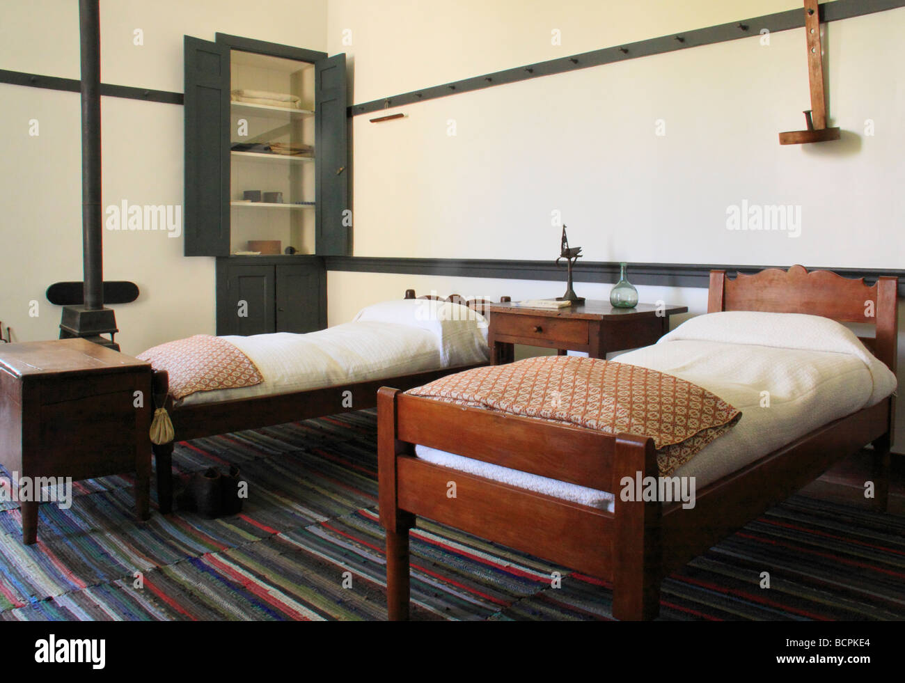 Shaker Bedroom Bed Stockfotos & Shaker Bedroom Bed Bilder - Alamy