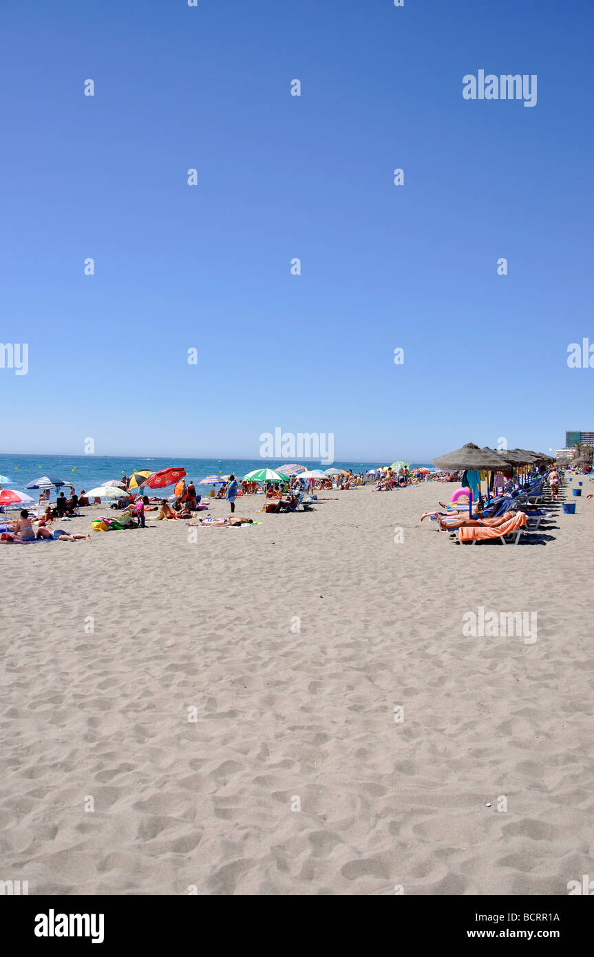 Playa del Bajondillo, Torremolinos, Costa del Sol, Provinz Malaga, Andalusien, Spanien Stockfoto