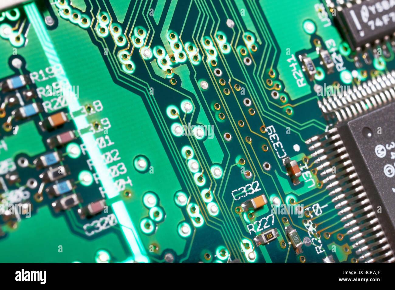 Nahaufnahme von der Leiterbahn von einem Desktop-Computer-motherboard Stockbild