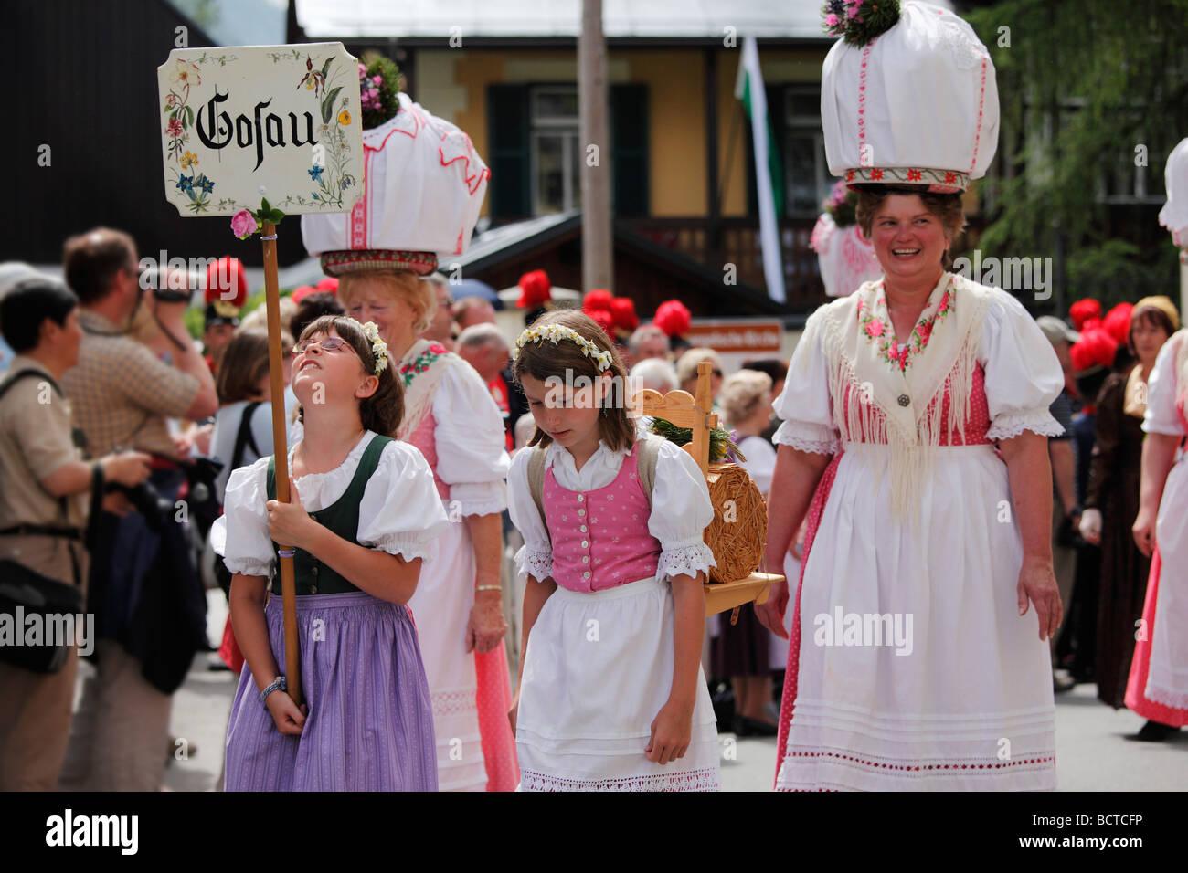 Tracht-Gruppe aus Gosau in Oberösterreich, Narzissenfest Narcissus-Festival in Bad Aussee, Ausseer Land, Salzkammergut Stockbild
