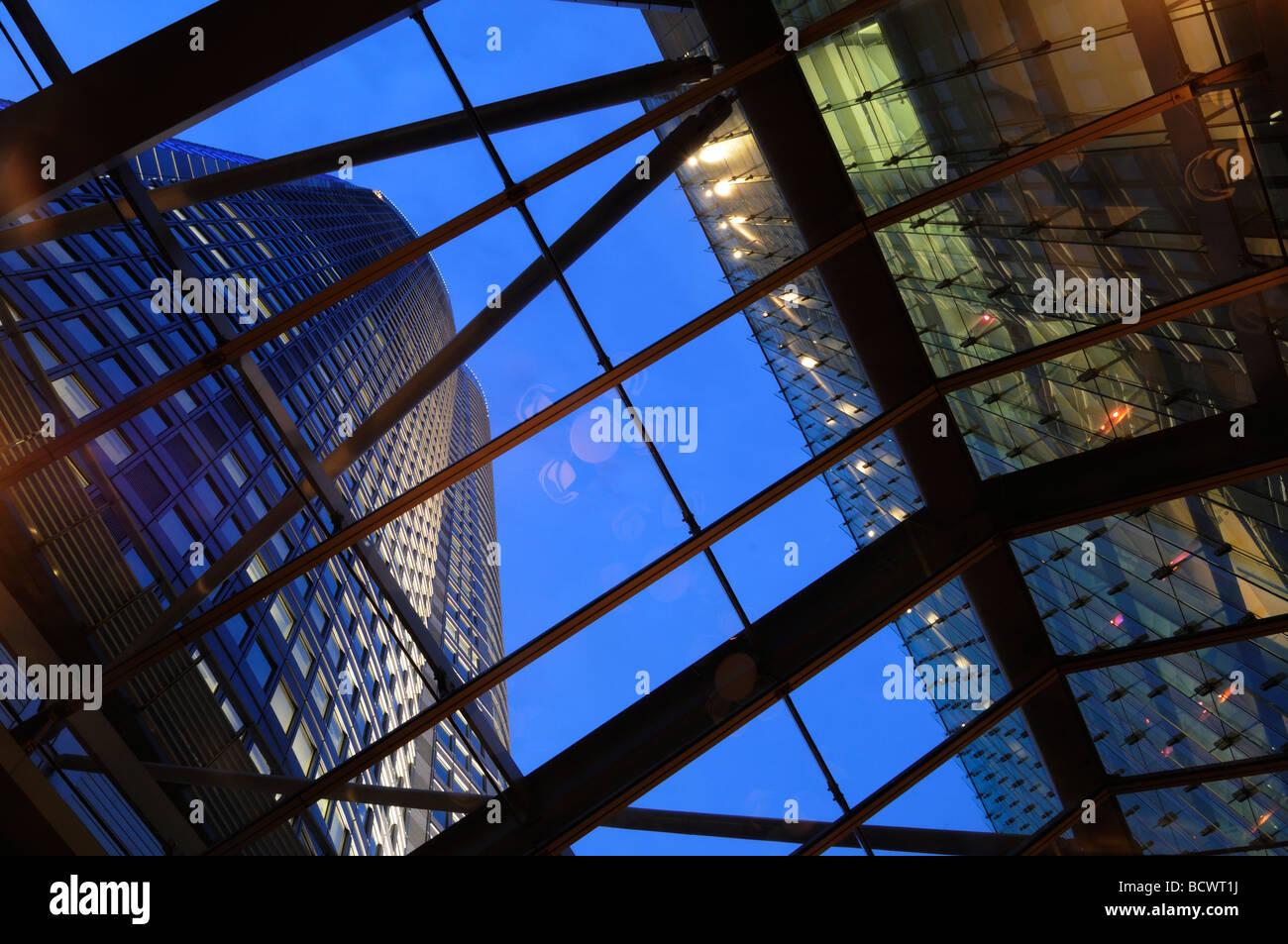 Modernen Gebäudekomplex in Roppongi Hills im Stadtteil Roppongi Tokyo Japan Stockbild