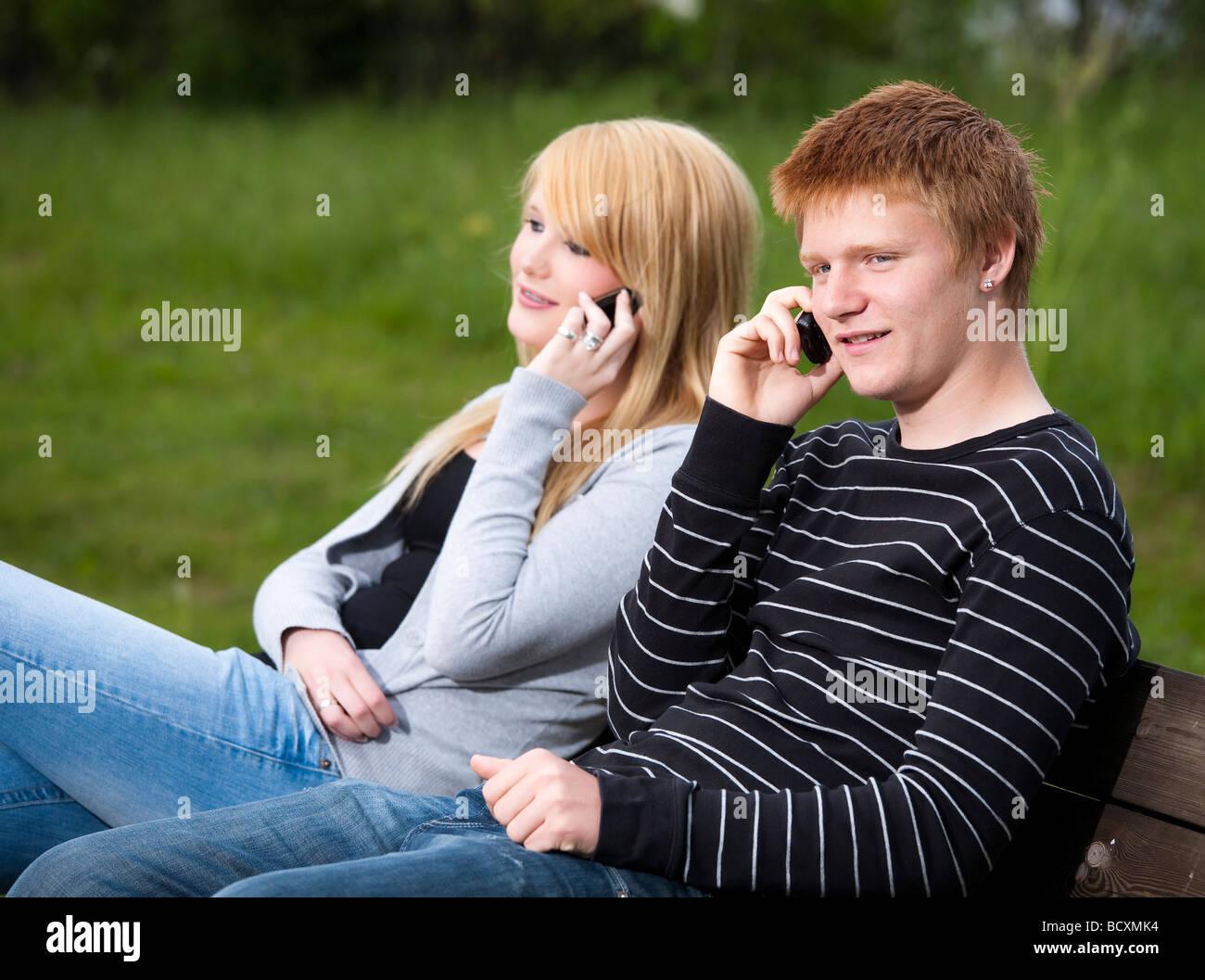 Teenager-Paare leben zusammen