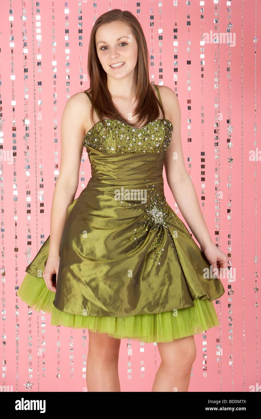 Schön Partykleider Mädchen Fotos - Brautkleider Ideen - cashingy.info