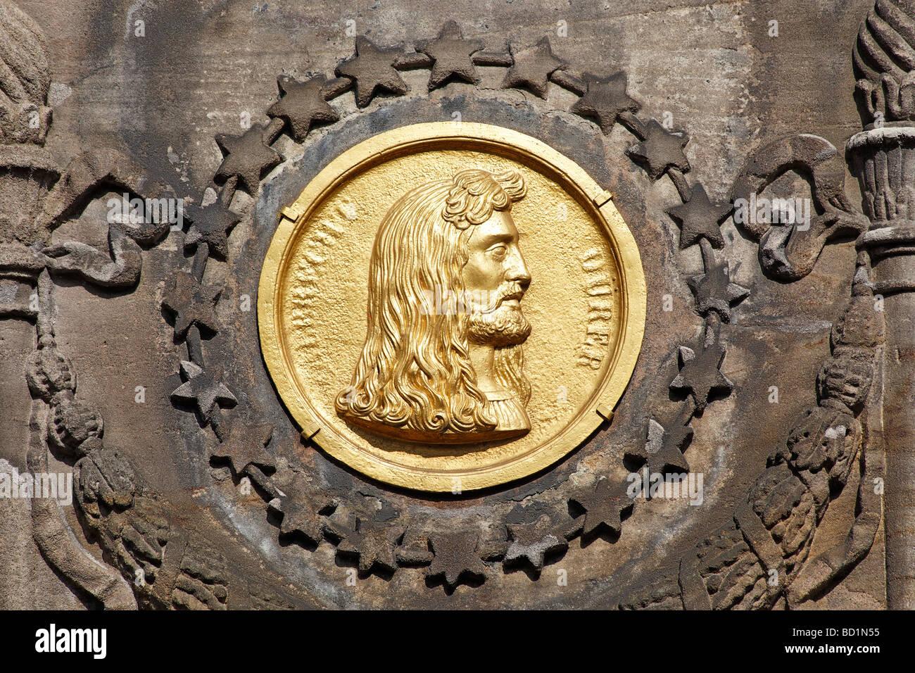Bronze Medaille, Dürer-Pirckheimer-Brunnen, Freundschaft Brunnen, Max-Platz, Altstadt, Stadt Nürnberg, Stockbild