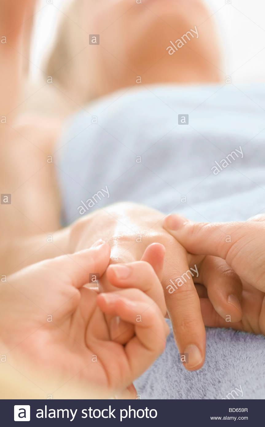 Sanfte Handmassage Stockbild