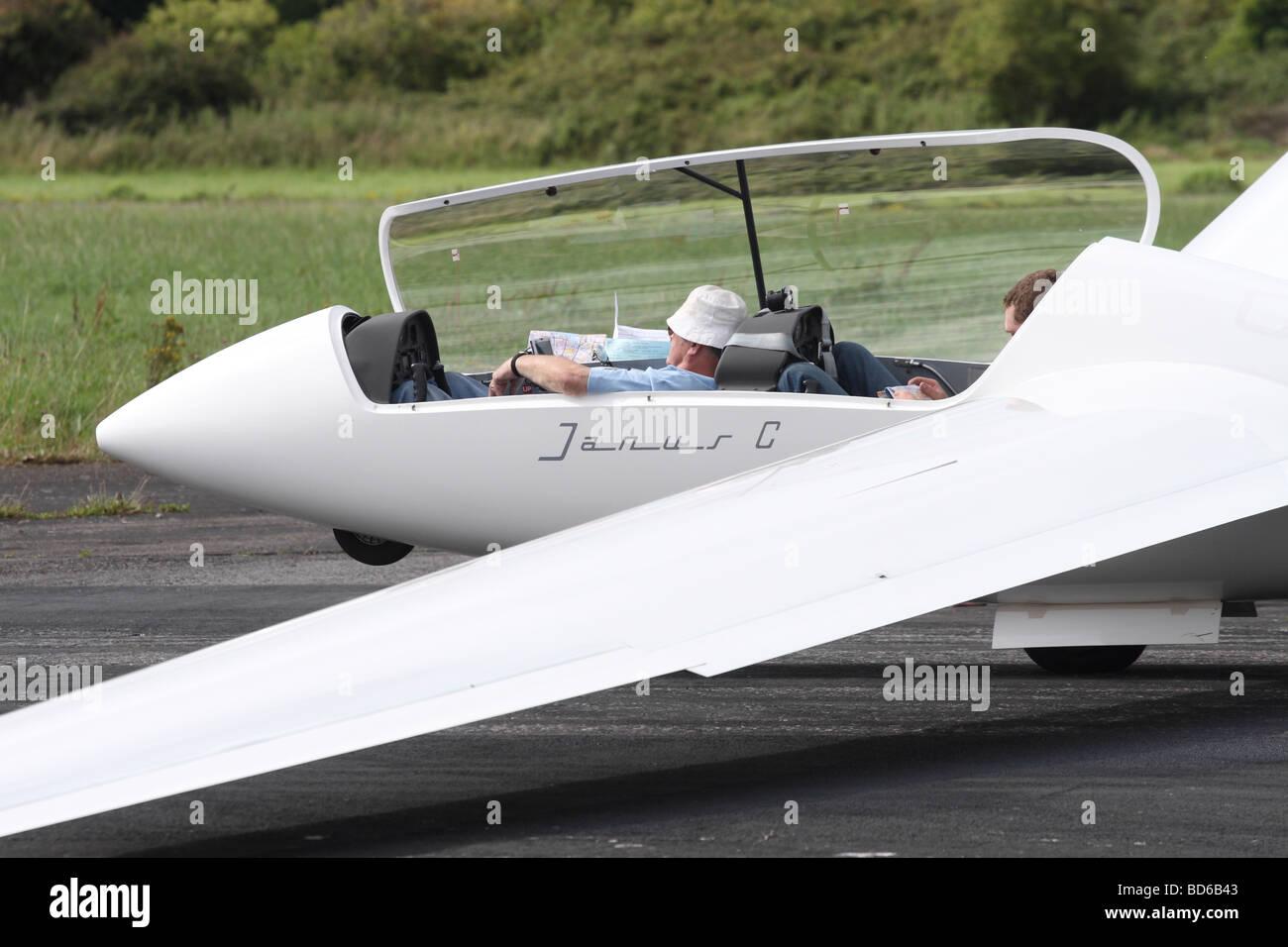 cockpit a glider stockfotos cockpit a glider bilder alamy