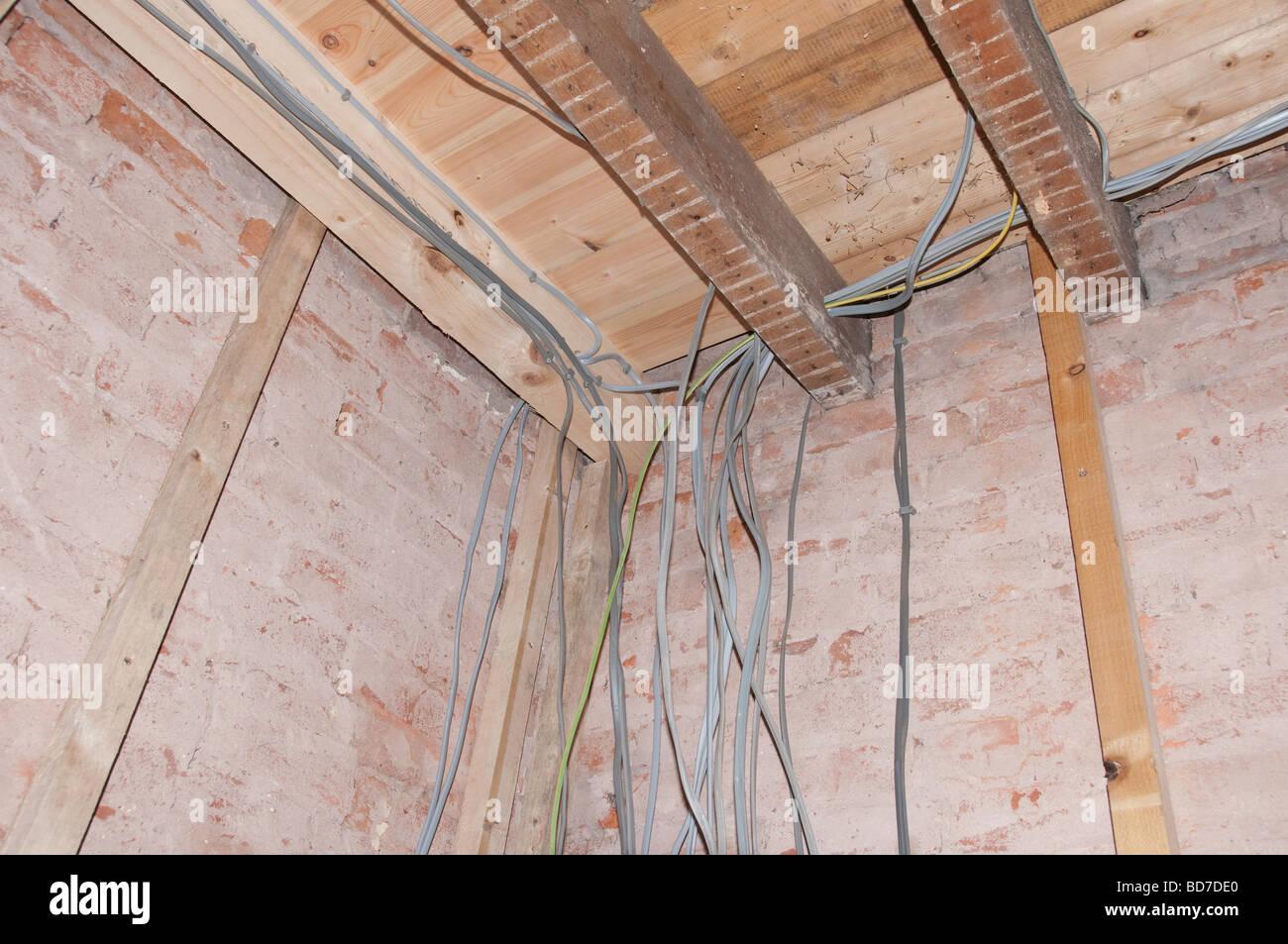 Neue elektrische Verdrahtung in einem Haus Renovierung Projekt 1 ...