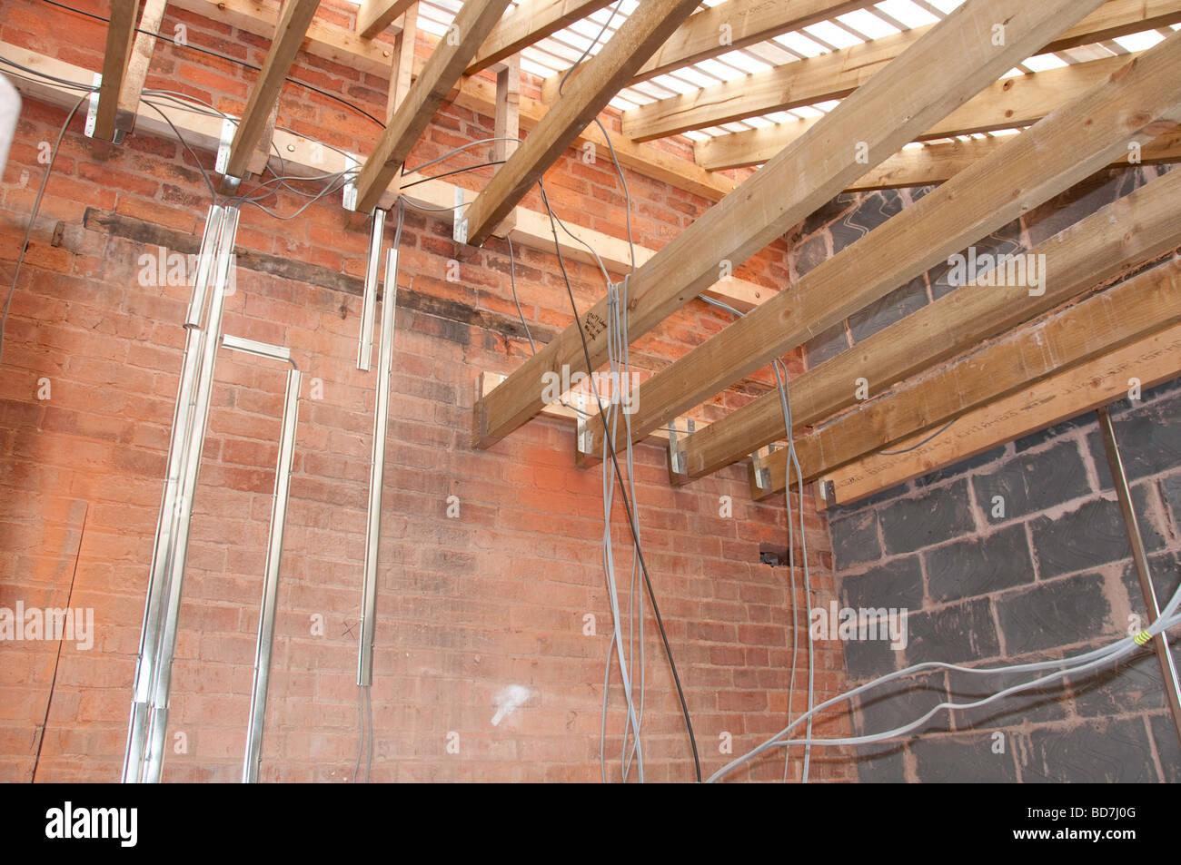 Neue elektrische Verdrahtung in einem Haus-Umbau-Projekt Stockfoto ...