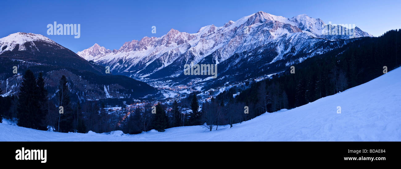 Chamonix Valley Mont Blanc und Mont-Blanc-Massiv-Reihe von Bergen französische Alpen-Haute-Savoie-Frankreich Stockbild