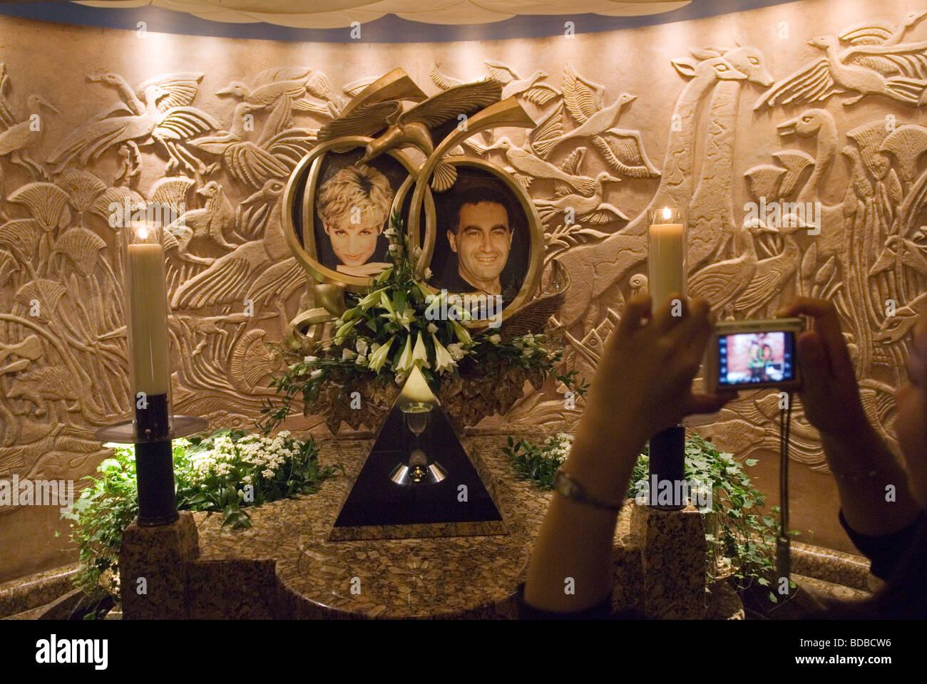 Das Kaufhaus Harrods der Diana Princess of Wales und Dodi Al Fayad Memorial Foto HOMER SYKES Stockbild