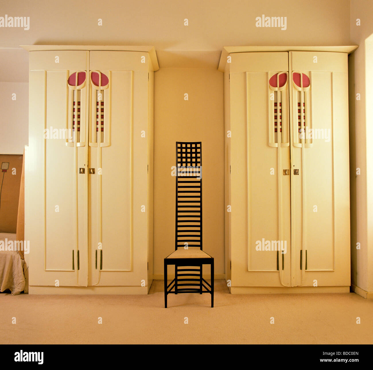 m bel von charles rennie mackintosh im the hill house stockfoto bild 25464733 alamy. Black Bedroom Furniture Sets. Home Design Ideas