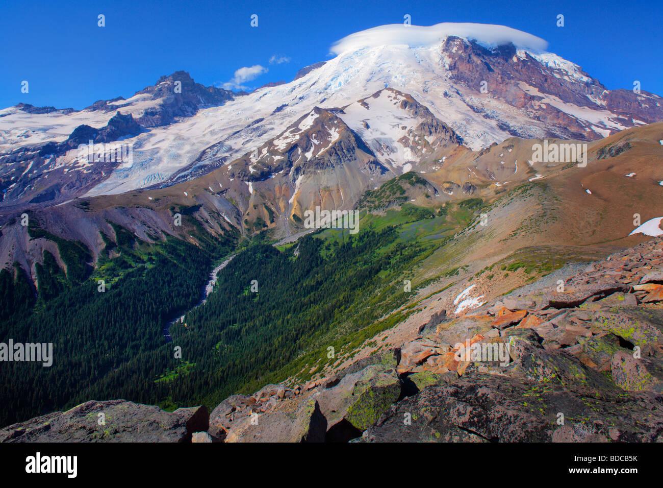 Mount Rainier vom 2. Burroughs Berg Stockbild