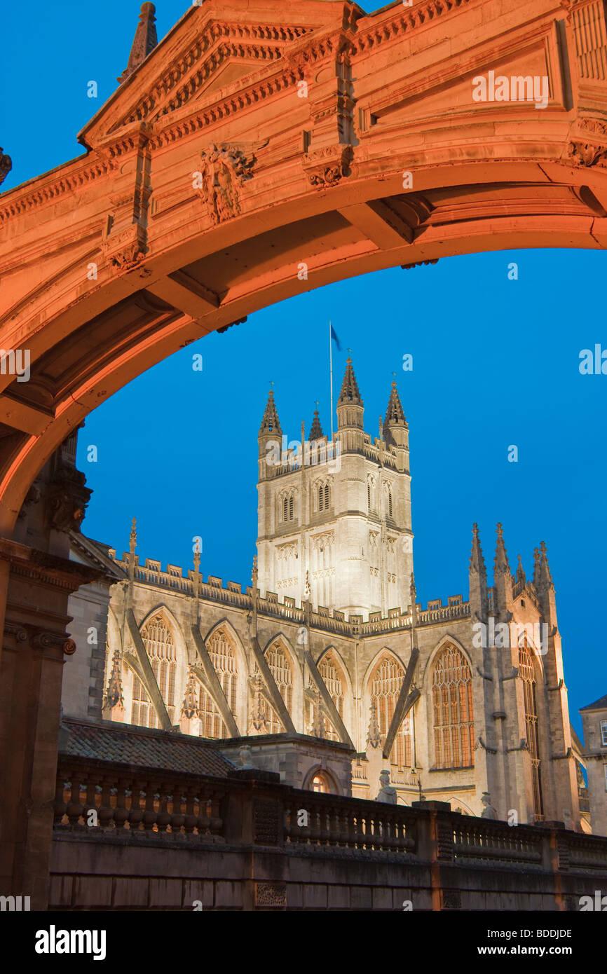 Bath Abbey Bad Avon England in der Dämmerung Stockbild