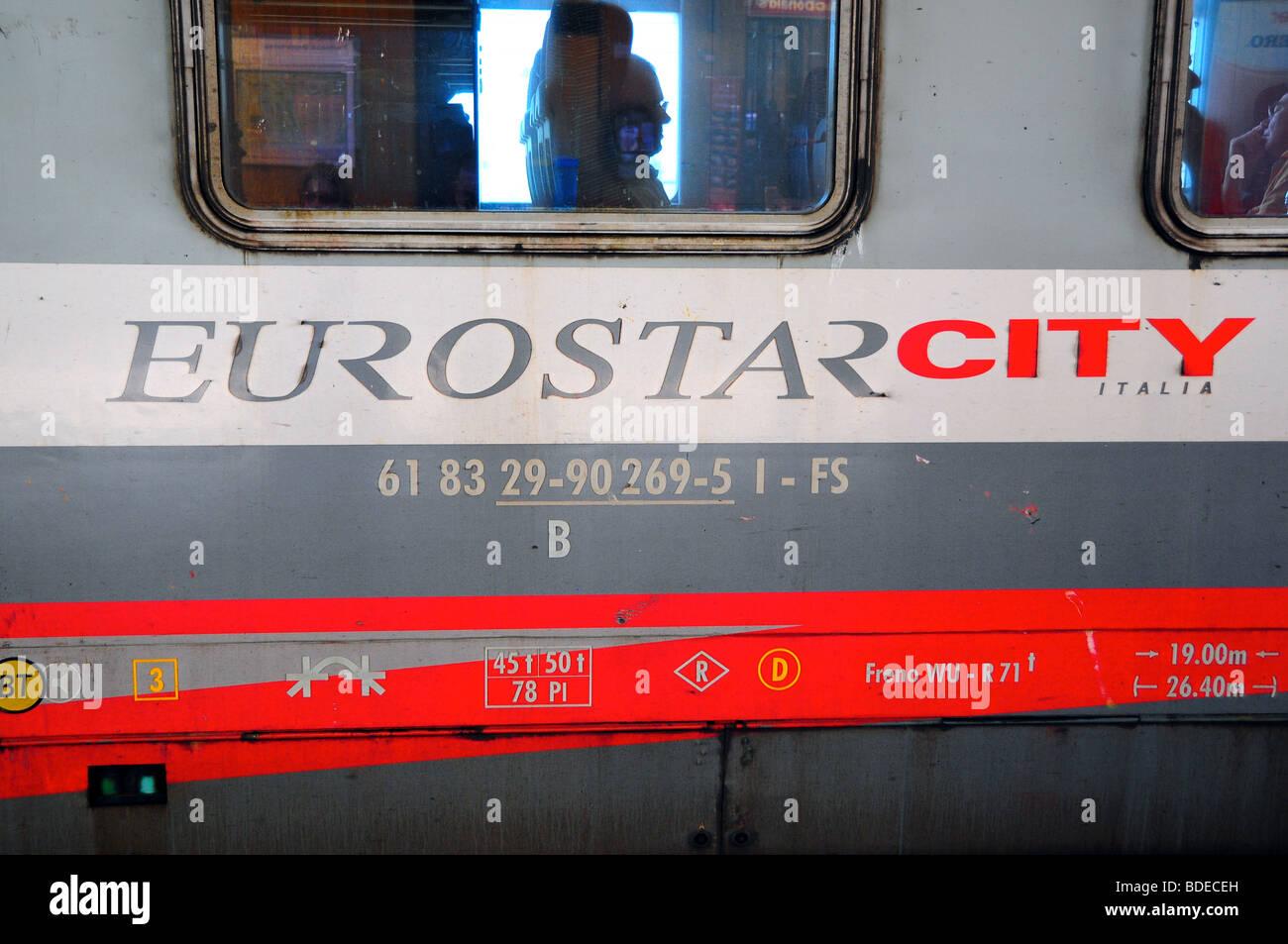 Groovy Italienischer Eurostar Zug Stockfotos Italienischer Beatyapartments Chair Design Images Beatyapartmentscom