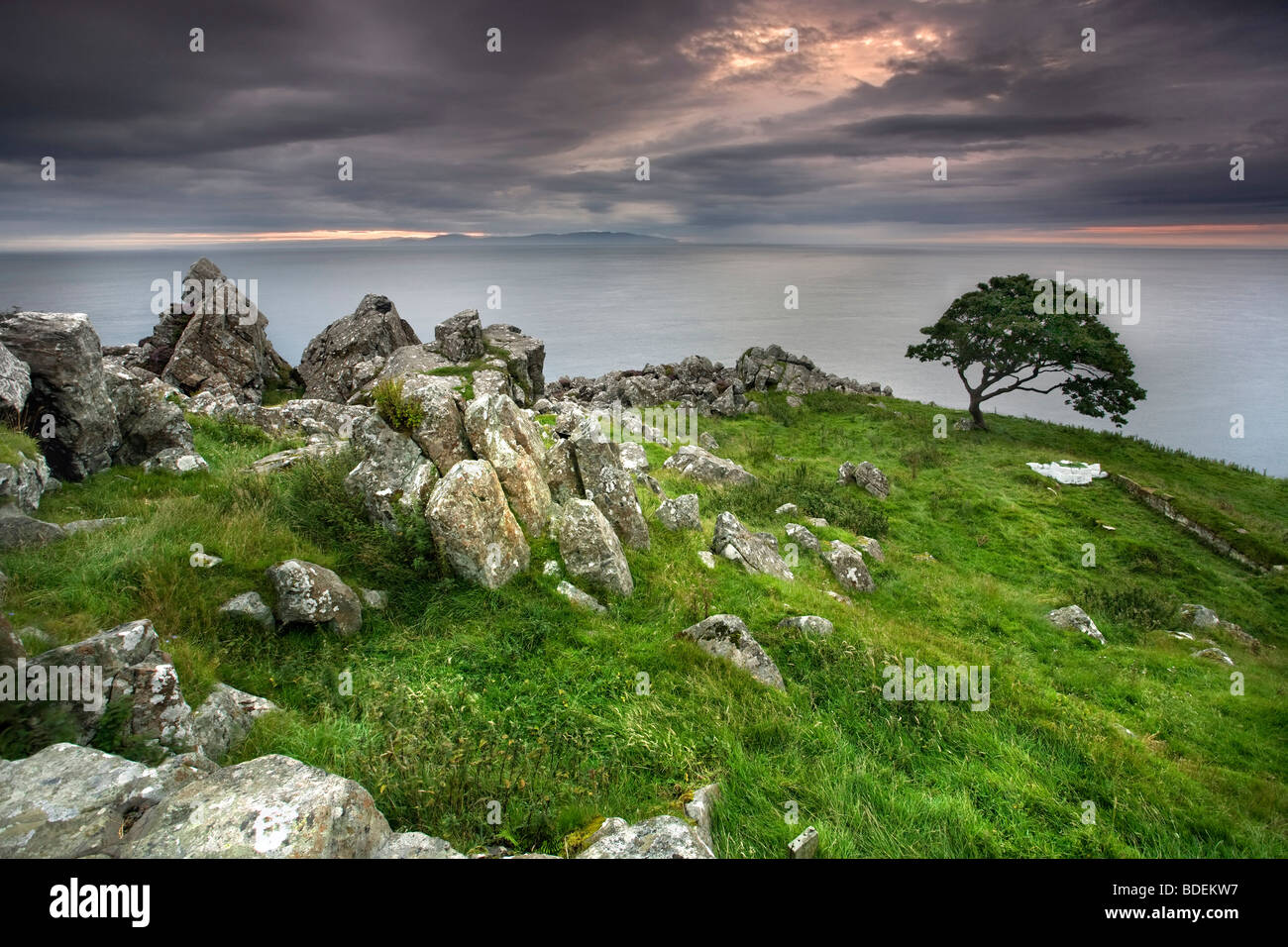Murlough Bay in der Abenddämmerung, Co. Antrim, Nordirland. Stockbild