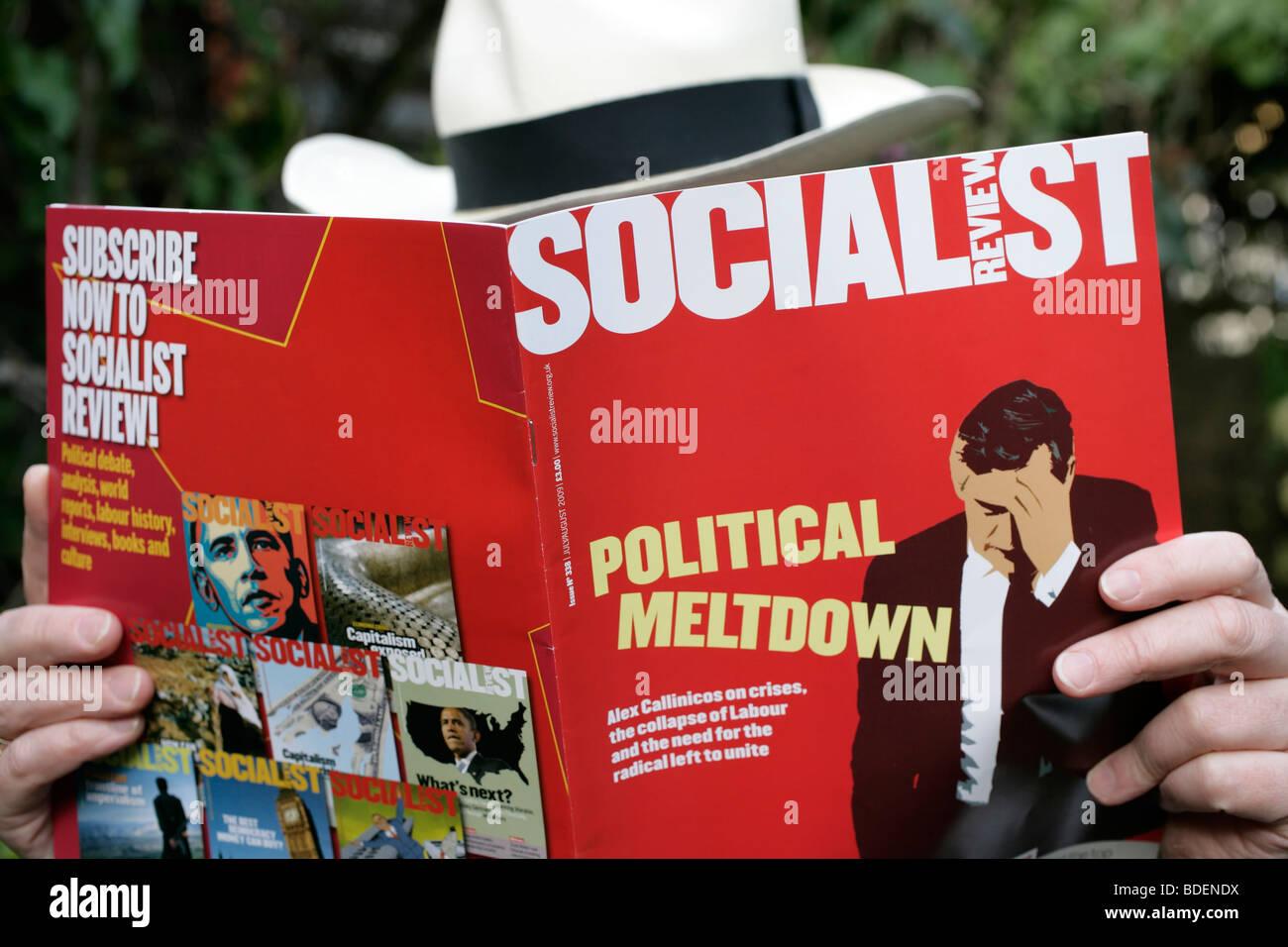 Die sozialistische Bericht lesen Stockbild