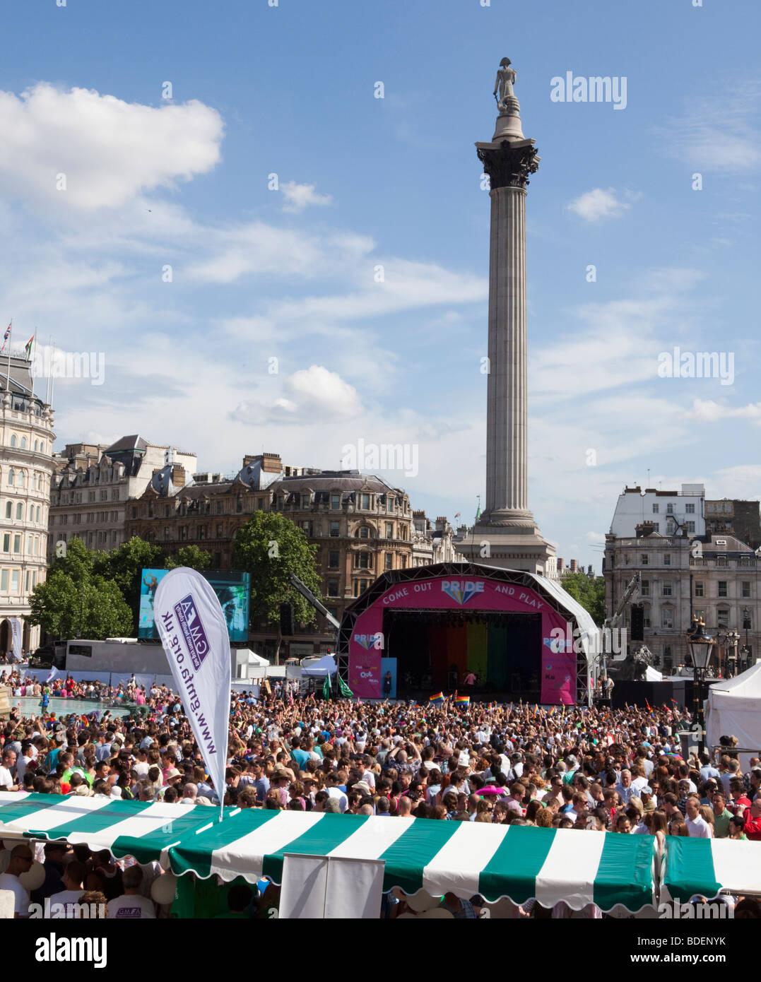 Gay-Pride März In Trafalgar Square In London UK Stockbild