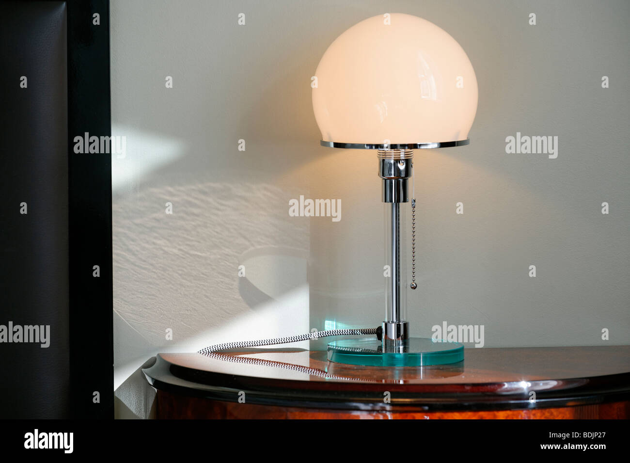 Art deco lampe nachttisch hotel borg reykjavik stockfoto bild