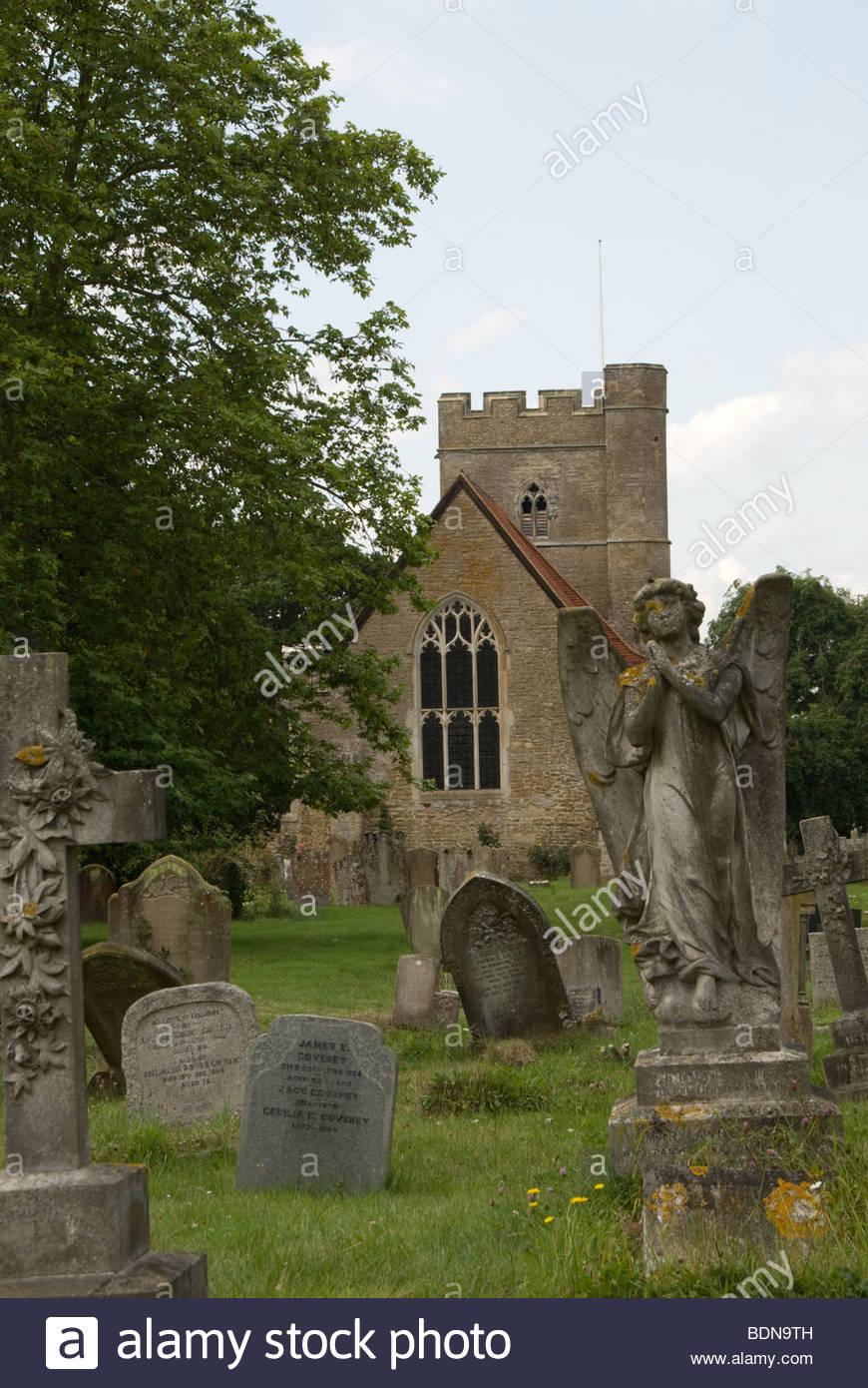 St. Peter und St. Paul Pfarrei Kirche Headcorn Kent Stockbild