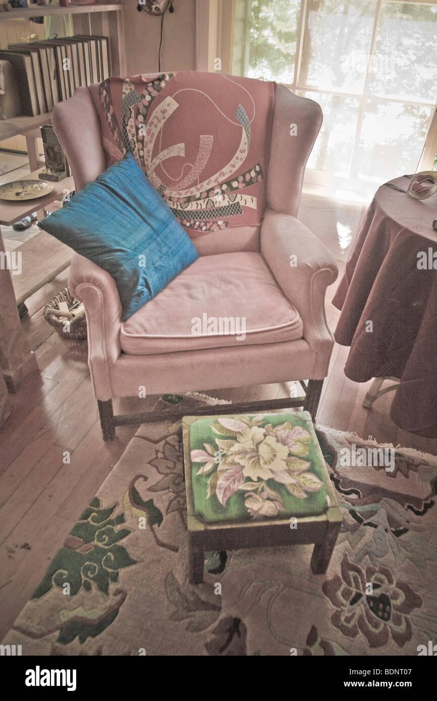 Eine Altmodische Wohnlandschaft Mit Sessel Stockfoto Bild 25680711