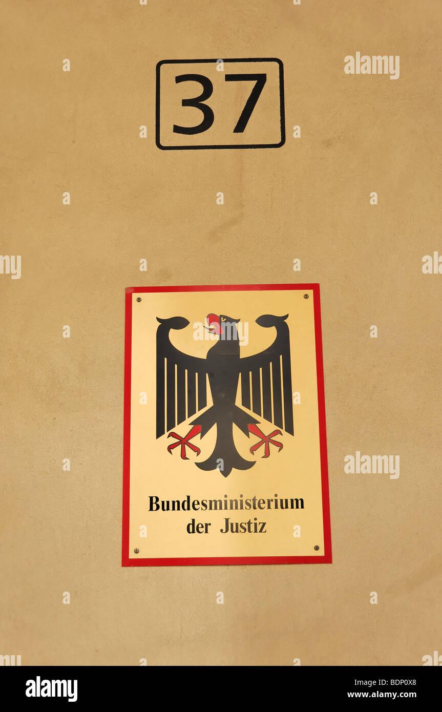 Schilder, Bundesministerium der Justiz, Bundesministerium für Justiz, Bundeshauptstadt Berlin, Deutschland, Stockbild