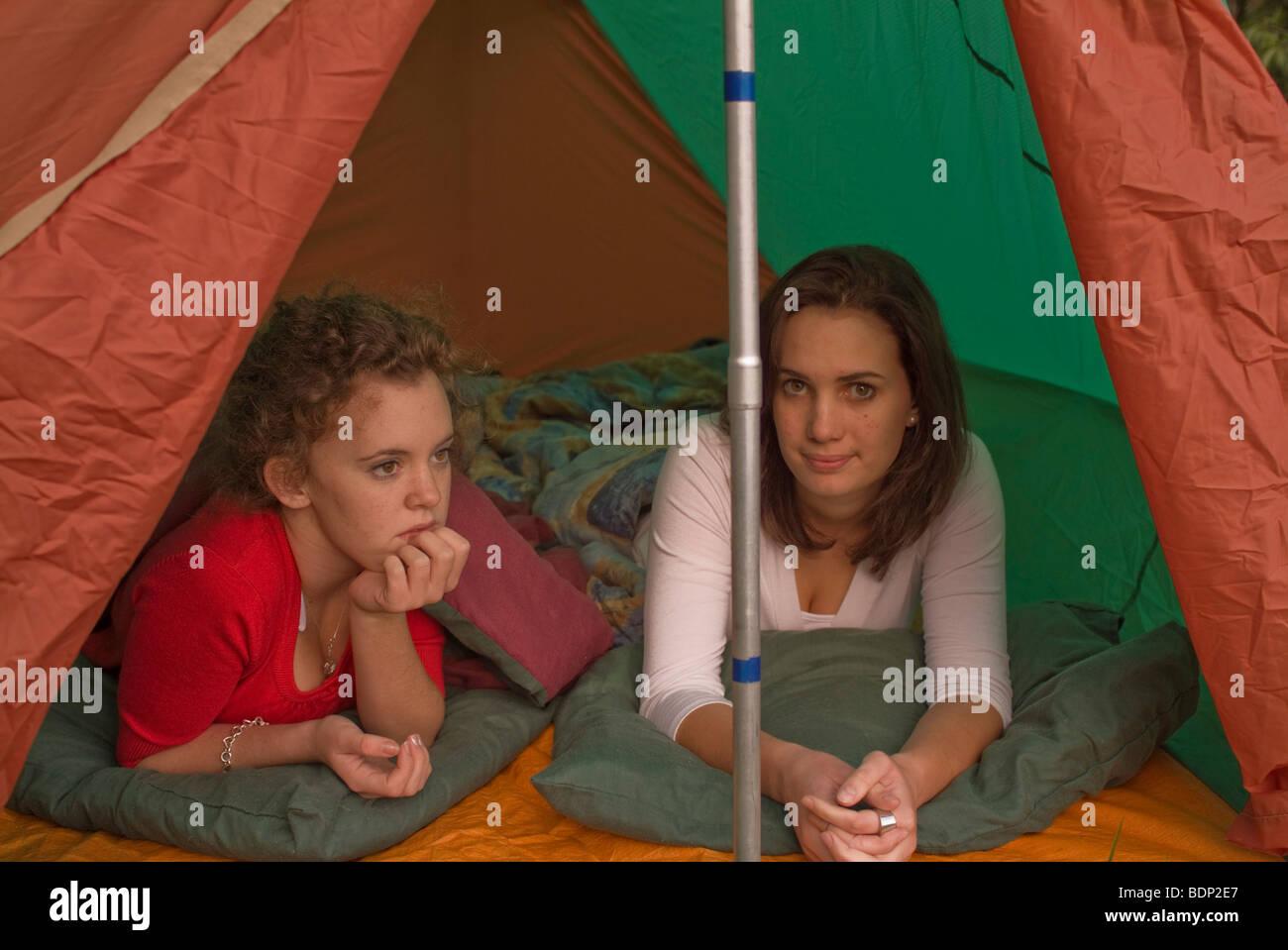 Campingplatz mädchen Kostenloses dorf